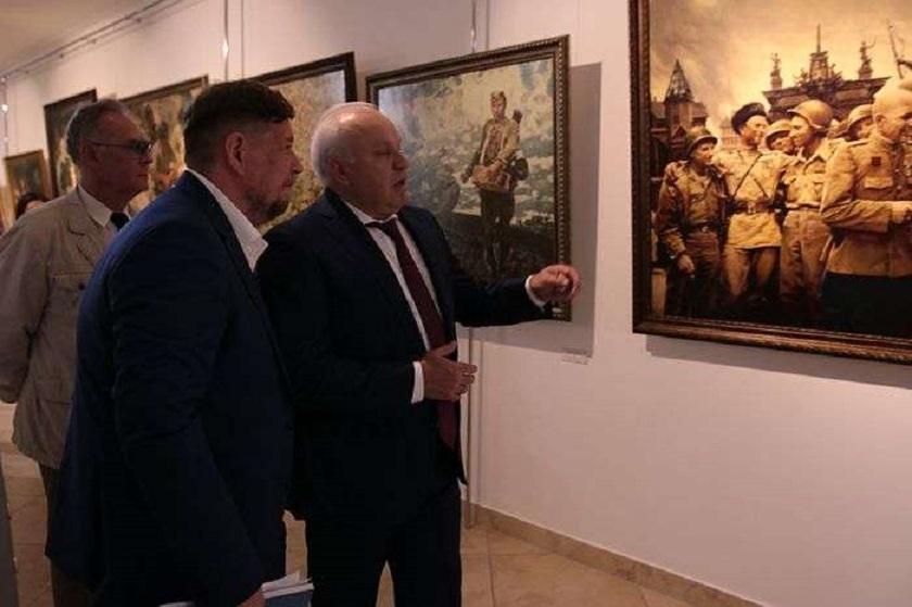 Красная Армия в картинах и плакатах