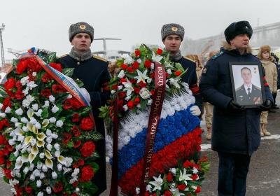 с погибшим боевым летчиком майором Романом Филиповым