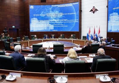 Картаполов на заседании президиума Общественного совета при Минобороны