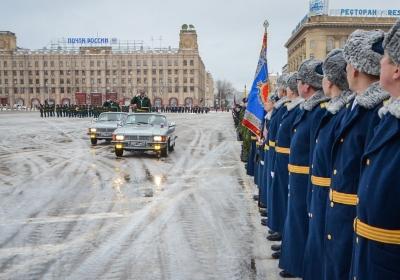 В Волгограде состоялся военный парад
